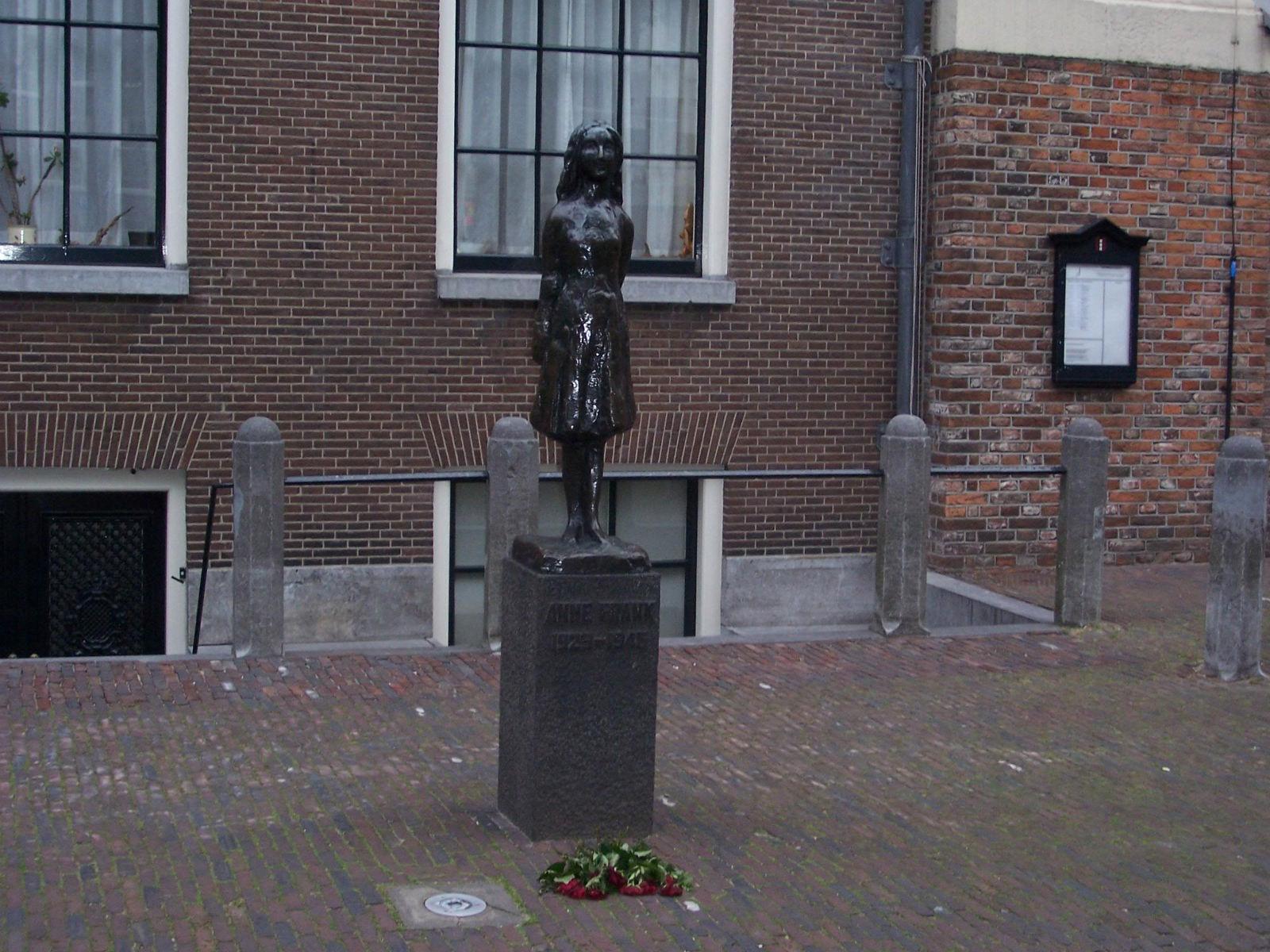 anne_frank_museum_amsterdam-2